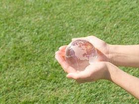 株式会社ゼロスは、一般家庭エアコンから業務用エアコンなどの販売・取付を主に行っている空調設備会社です。お客様が求める空調環境を、私たちの専門知識を最大限に活かしご提供いたします。また、私たちは「地球温暖化」や「オゾン層破壊」などの環境問題からも逃げず、子供達の未来にきれいな地球を残すことを常に考え取り組んでおります。皆様のお役に立つ企業として、皆様と共に発展して行きたいと念願しております 。